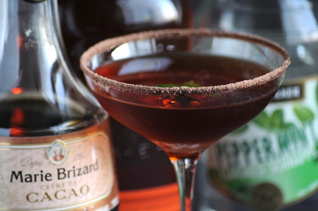thin-mint-julep-cocktail
